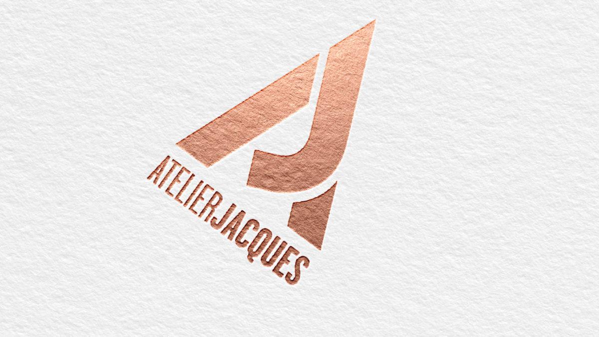 Logo van Atelier Jacques in foliedruk